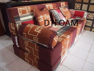 sofa bed sirkuit merah