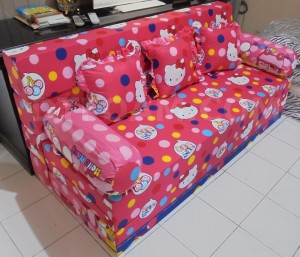 Sofa Bed inoac hello kitty pink biru buble